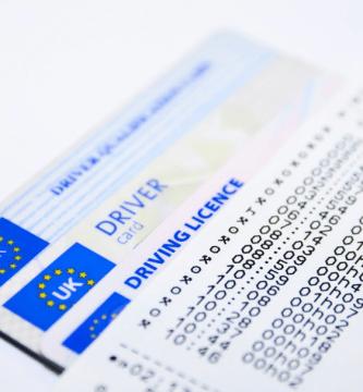¿Cómo se cambia el domicilio en el carné de conducir?