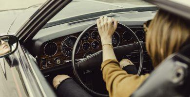 Se puede conducir un coche a nombre de un fallecido